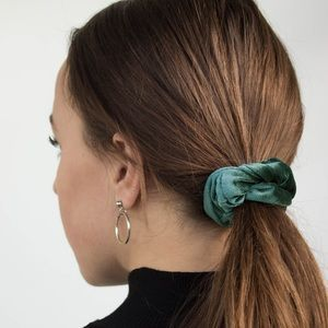 Accessories - velvet hair scrunchie 2 piece